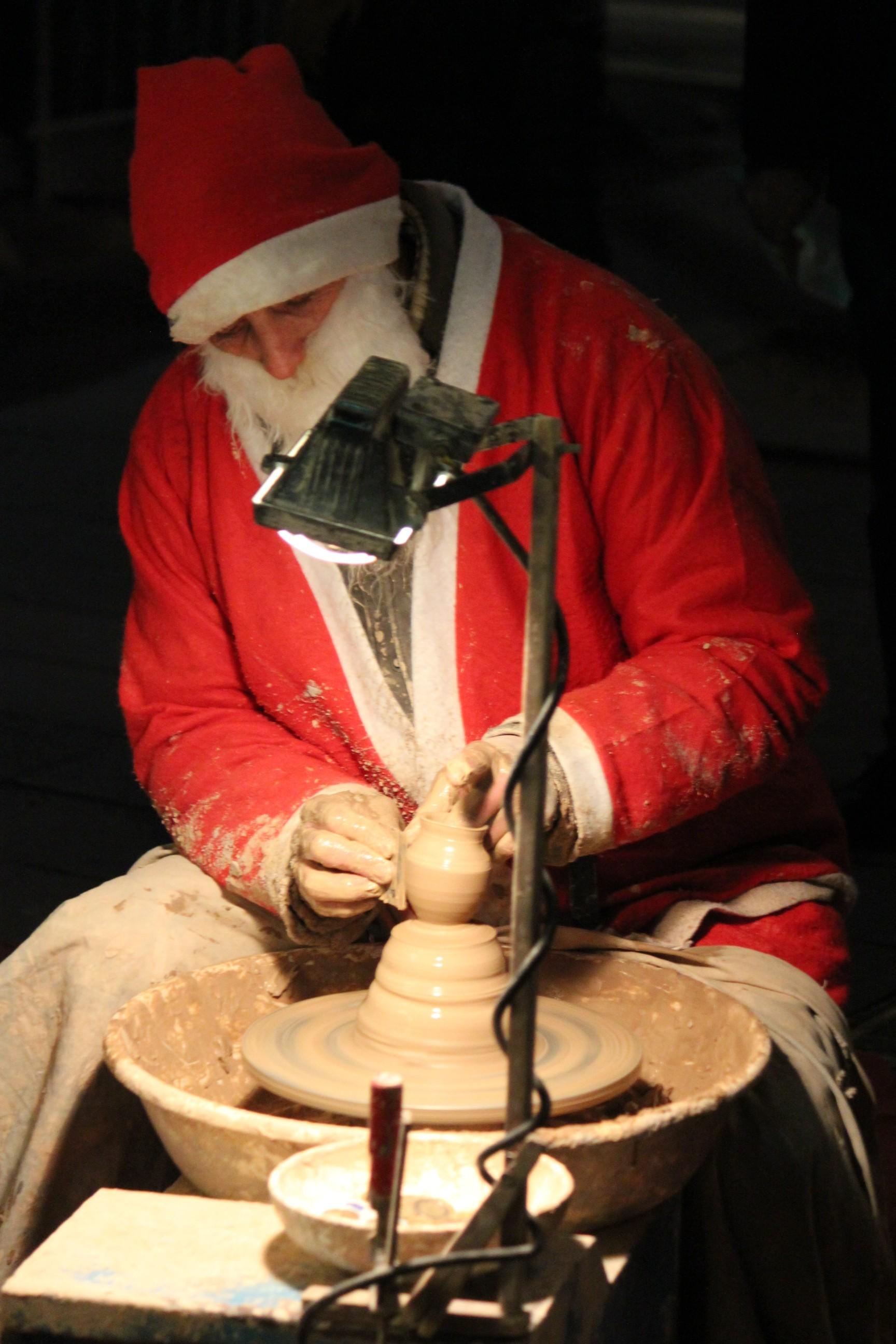 Christmas Pottery; Nice, France; 2011