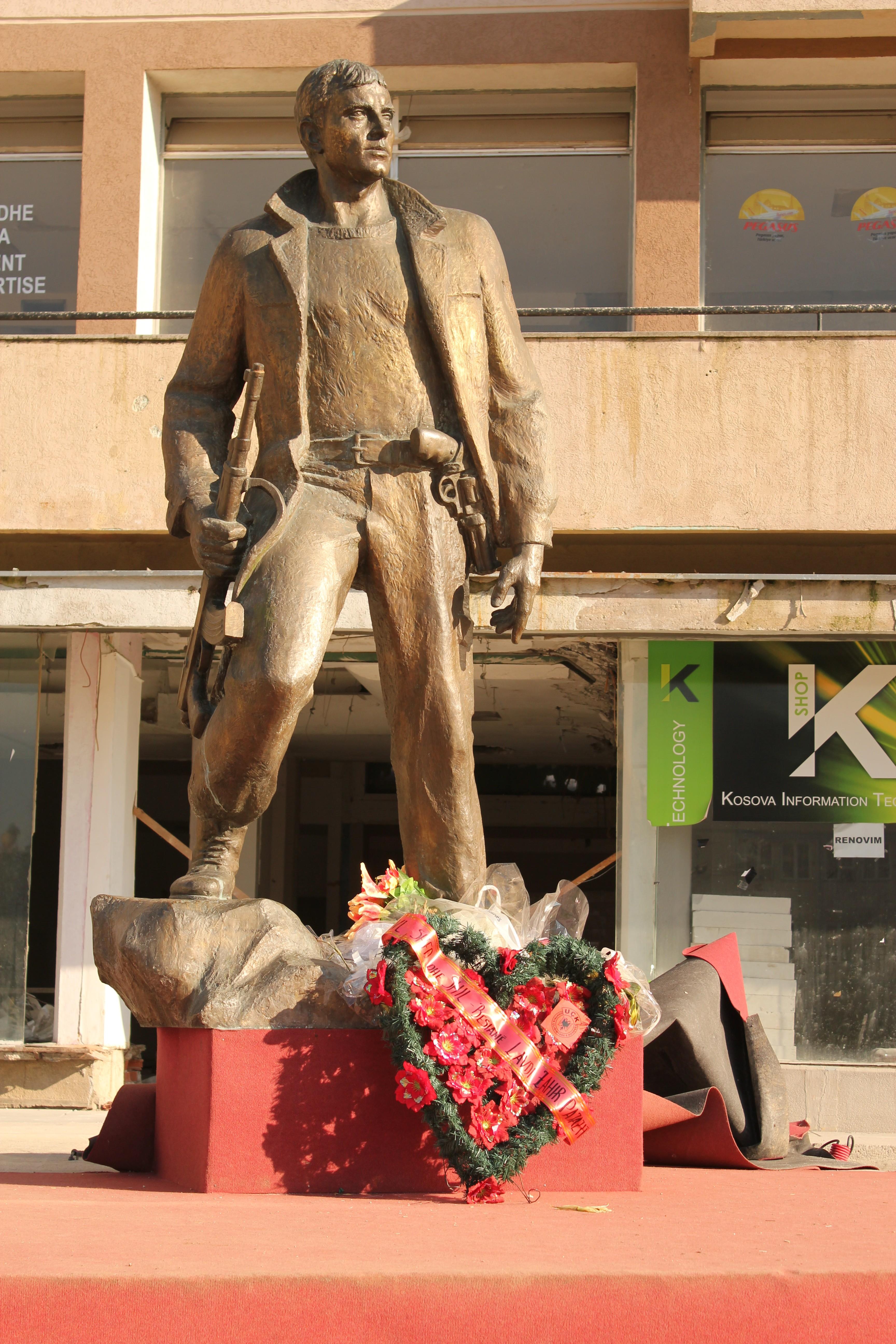 Bronze Statue; Pristina, Kosovo; 2013